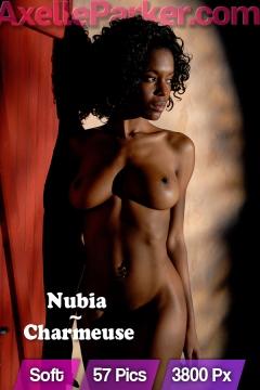 Nubia - Charmeuse