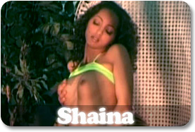 Erotic Modele Shaina
