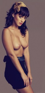 01-katy-perry-topless-seins-nus